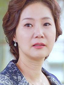 演员梁美京